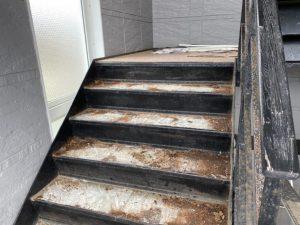 賃貸物件の屋内階段補修工事